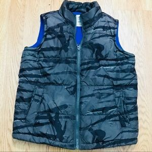 Old Navy puffer vest with fleece lining. Size M
